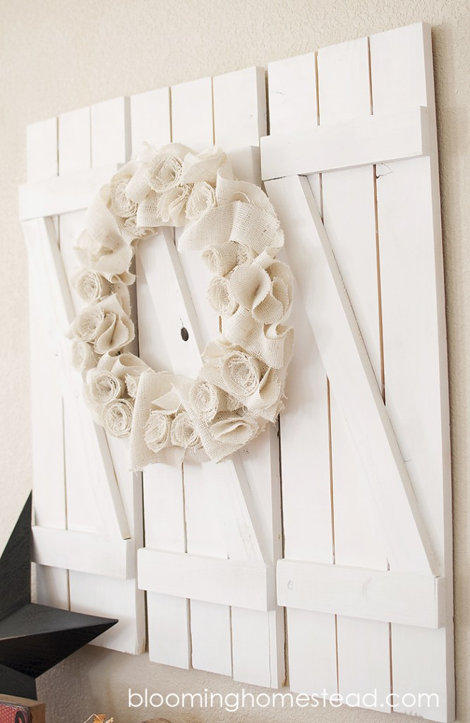 #diy #wood #walldecor #shutters #woodshutters #wooddecor #burlapwreath