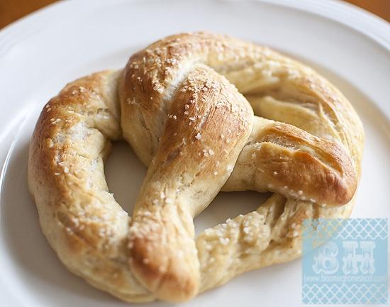 Homemade Pretzels & Pretzel Bites {Recipe}