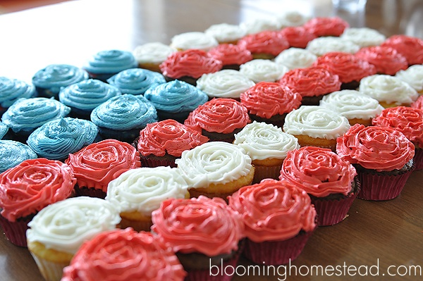Patriotic Cupcakes and Printables