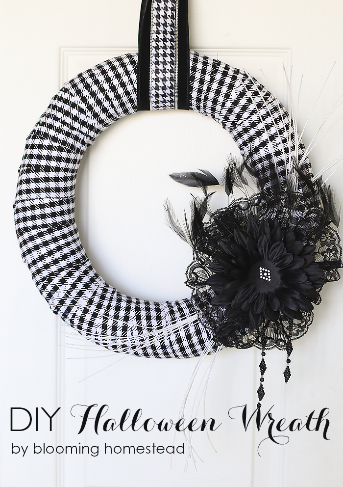 10DIY-Halloween-Wreath-by-Blooming-Homestead
