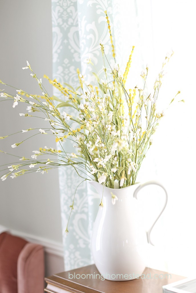 Spring Decor at Blooming Homestead