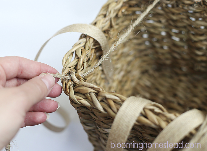 DIY Hairbow Holder by Blooming Homestead