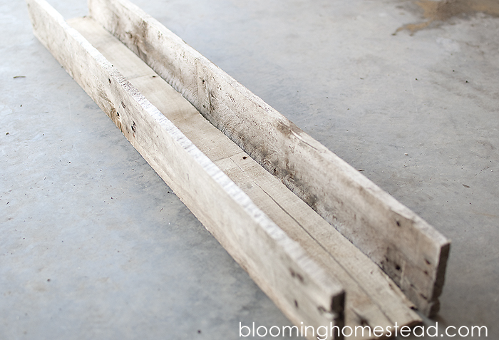DIY Pallet Planter Box by Blooming Homestead