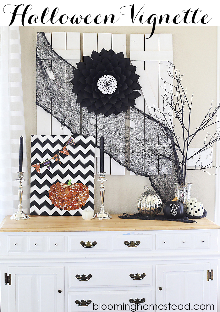 Beautiful Black and White Halloween Vignette #diy #halloween #blackandwhite