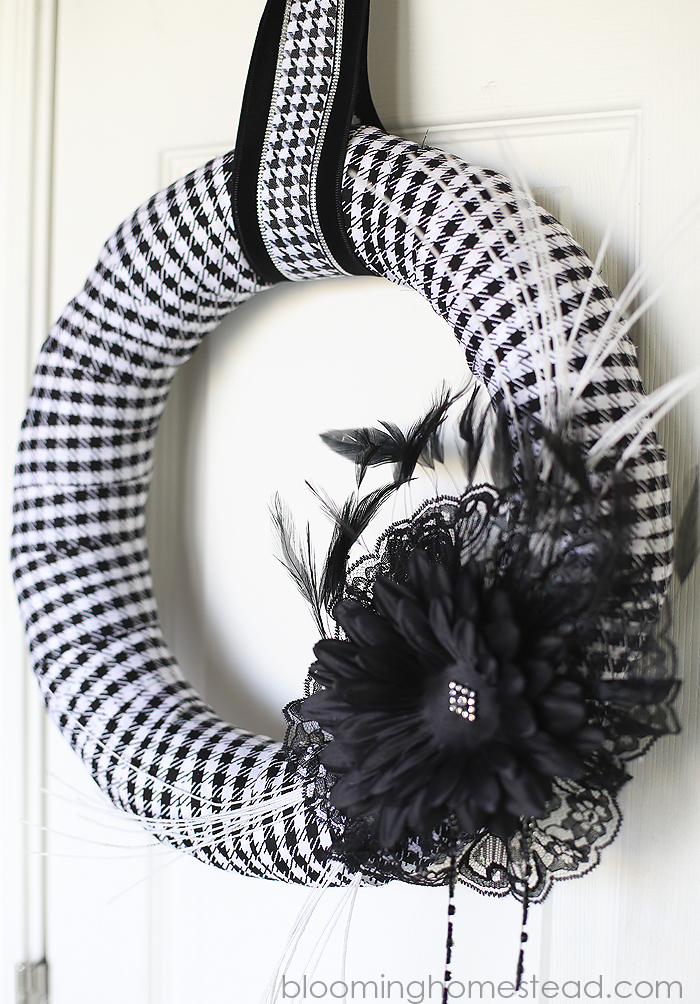 4DIY Halloween Wreath by Blooming Homestead