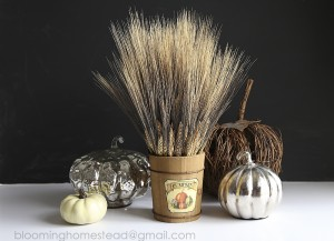 Check out this lovely fall wheat centerpiece with a video tutorial to show you how to make it! #fall #falldecor #harves