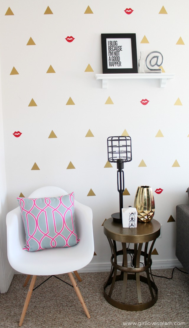 CCModern-Office-Geometric-Wall-Design