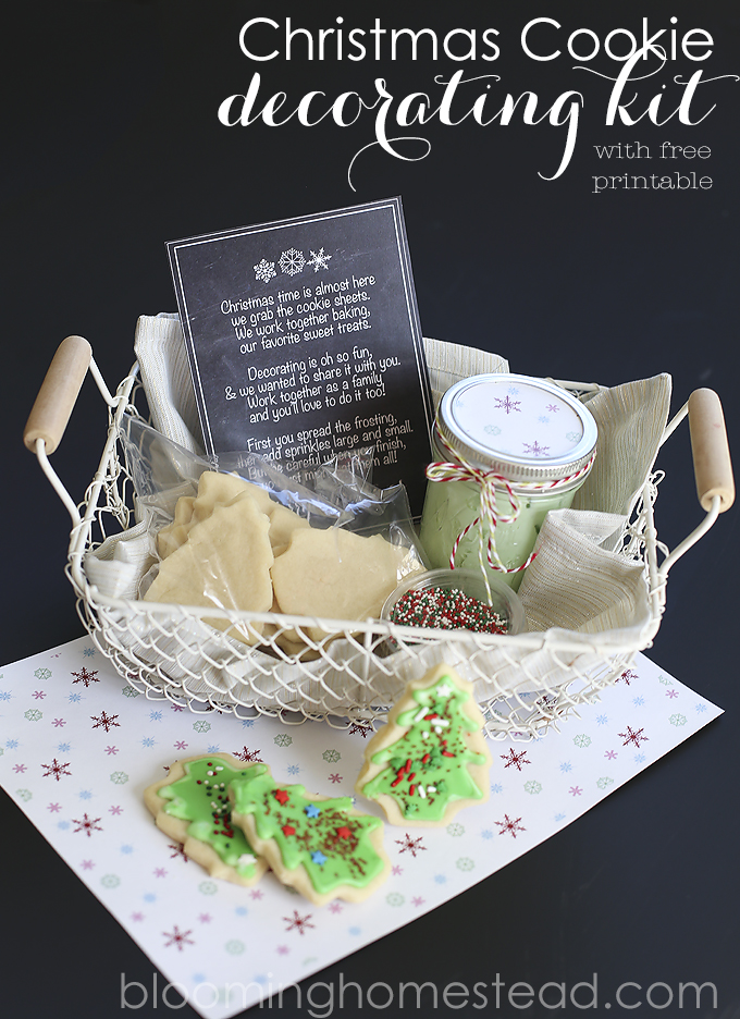 christmas cookie decorating kit with free printable from blooming homestead christmas gift ideas
