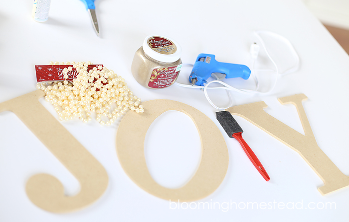DIY Pearl Embellished JOY Letters tutorial | christmas | DIY |tutorial |homedecor |christmas decor |holiday decor |holiday |JOY