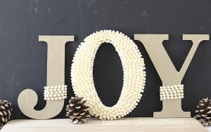 DIY Pearl Embellished JOY Letters tutorial | christmas |joy | DIY |tutorial |homedecor |christmas decor |holiday decor |holiday |JOY
