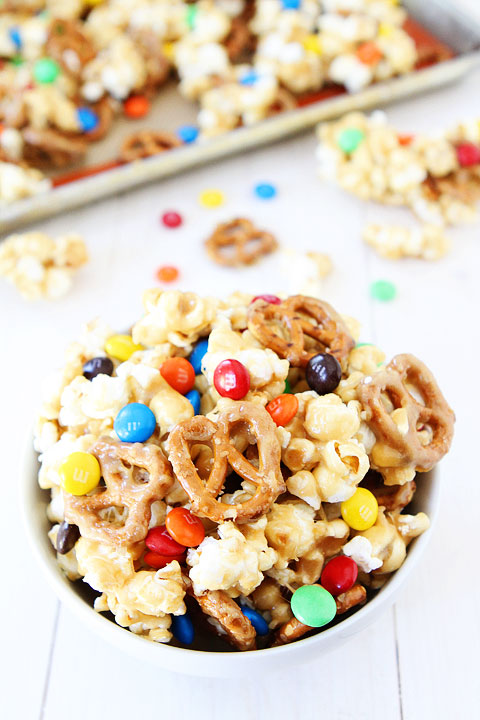 Sweet-and-Salty-Marshmallow-Popcorn-4