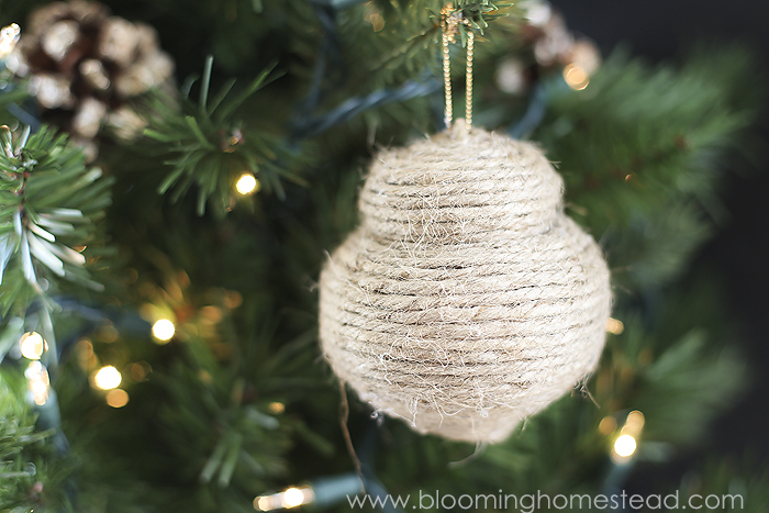 Beautiful Rustic DIY Jute Ornaments- super easy!
