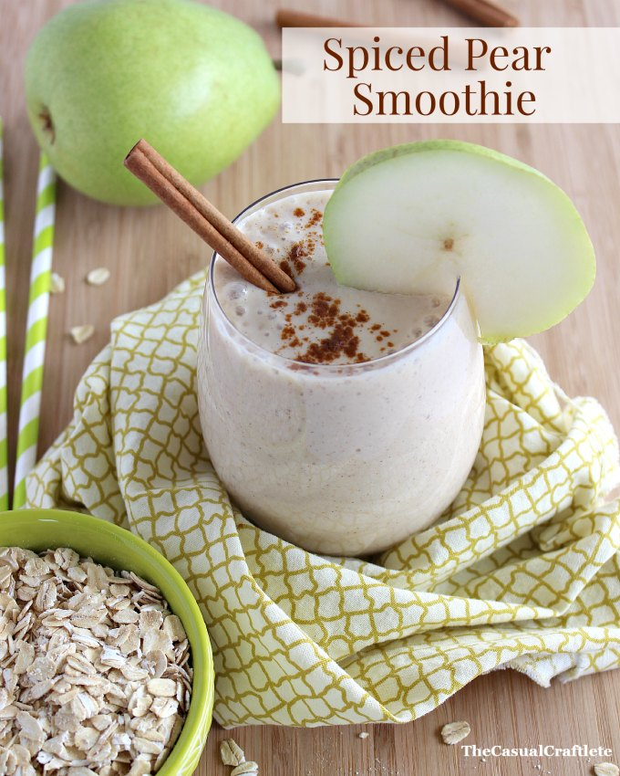 Spiced-Pear-Smoothie-from-www.thecasualcraftlete.com_