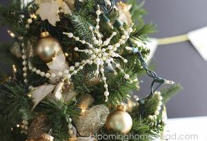 DIY Beaded Snowflake- Easy and beautiful for Christmas Decor