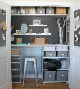 CCHome-office-in-a-closet-from-The-Crazy-Craft-Lady-926x1024