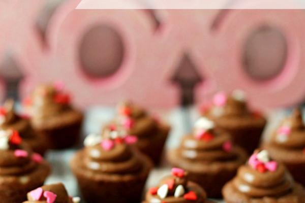 cc-valentine-chocolate-cupcakes