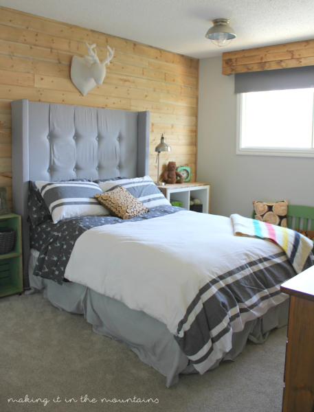 CCclassy22-20-Rustic-Boys-Bedroom-making-it-in-the-mountains