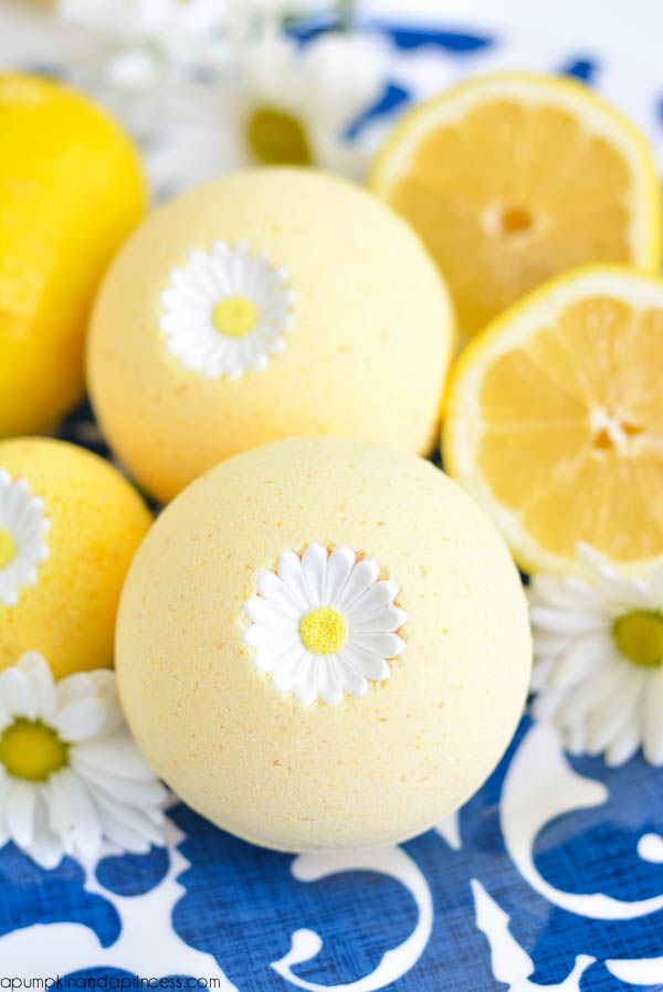 DIY-Lemon-Bath-Bomb