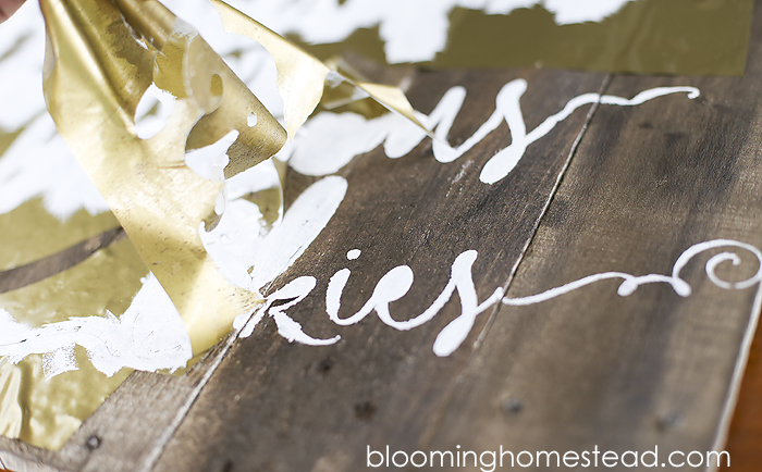 Check out this tutorial showing how to make this gorgeous patriotic calligraphy pallet sign.