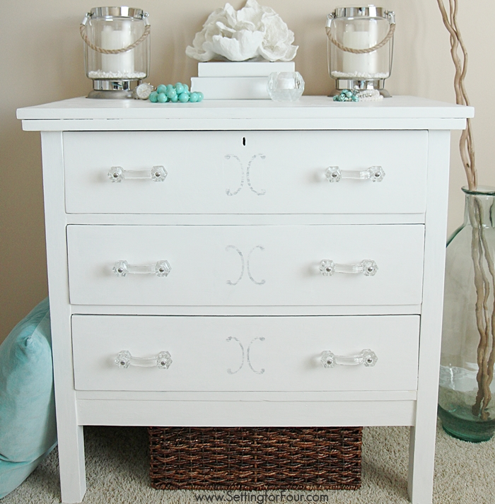 CCLOLLYREALpainted-dresser-chalky-finish-paint