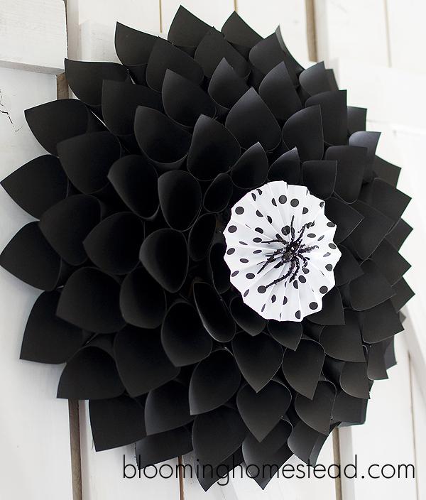 DIY Halloween Wreath by Blooming Homestead
