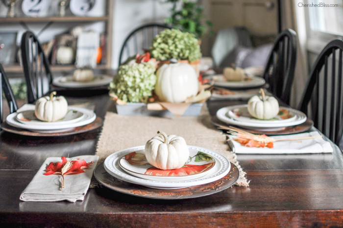 CCSimple-Fall-Tablescape-009-700x465