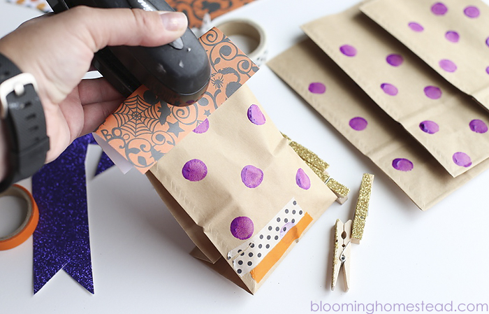 These diy treat bags are so cute and you can assemble them in minutes! Such a cute idea.