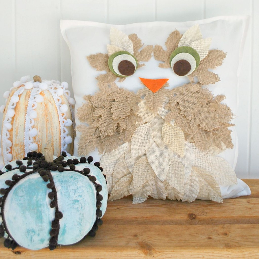 cc-Marieburlap-leaf-owl-pillow