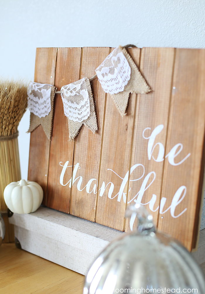 Super easy and pretty be thankful sign tutorial