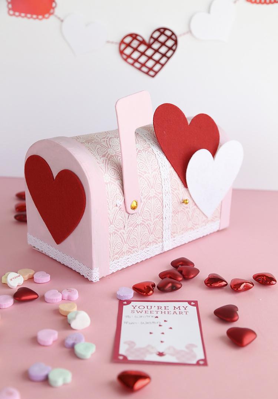 Fun Valentine Craft using paper mache Mailbox