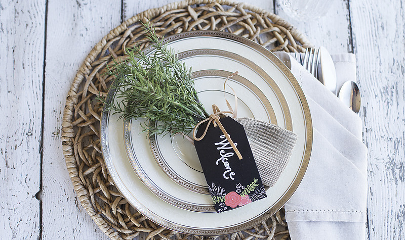 DIY Rustic Place Setting by Blooming Homestead, perfect for weddings, events, dinner parties and holidays