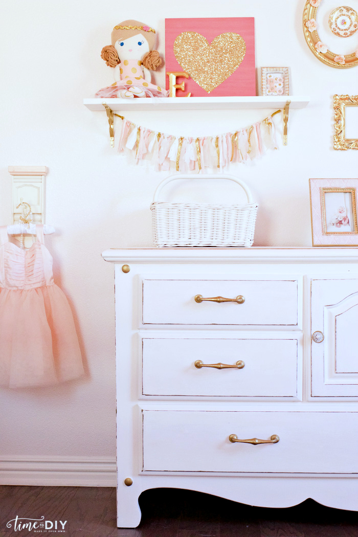CCchippy-glam-dresser-makeover