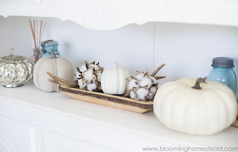 Fall Home Tour and neutral farmhouse fall decor ideas