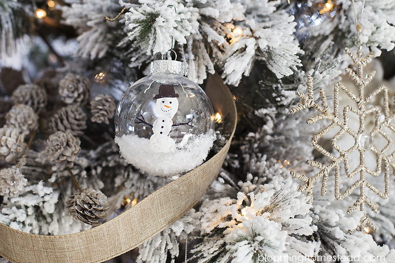 Adorable DIY Snowman Ornament kids craft-perfect gift idea for grandparents!