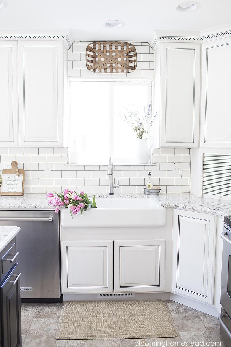 Beautiful Kitchen Makeover Farmhouse Style