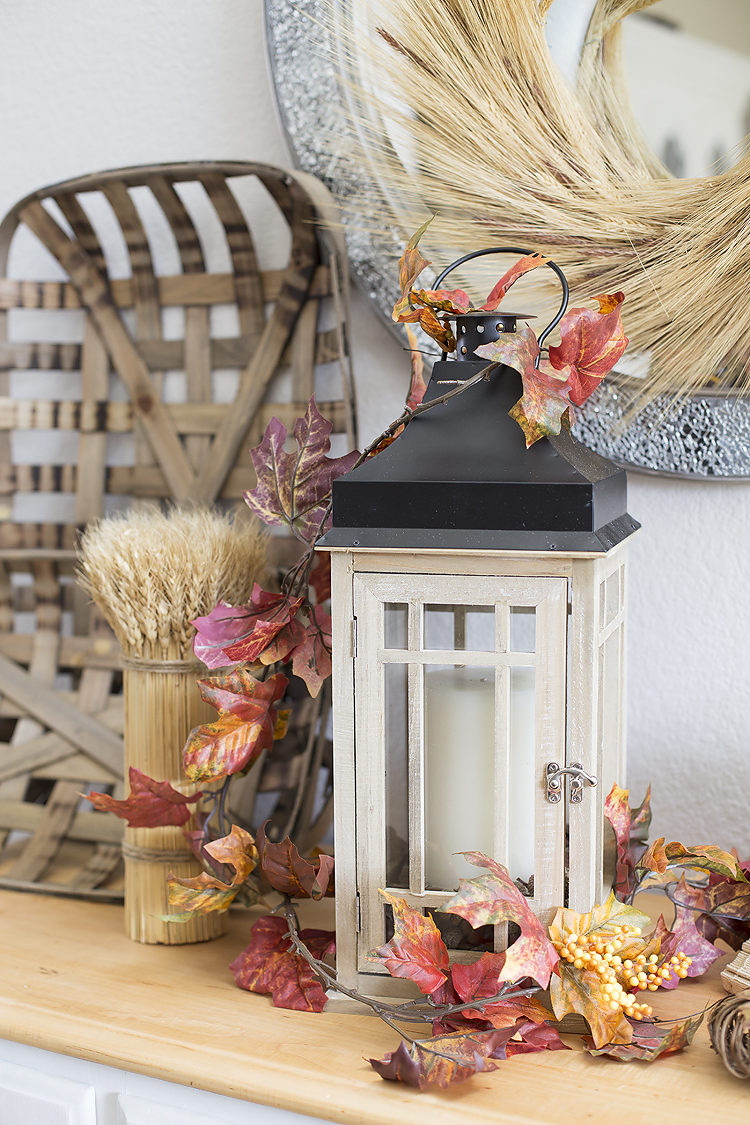 DIY-Lantern-Centerpiece for fall