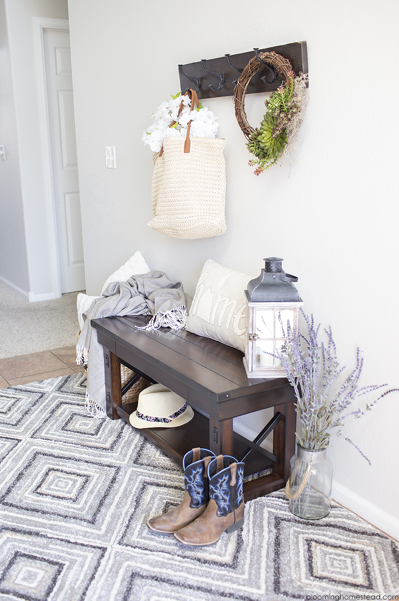 Simple and Modern Farmhouse Entrway