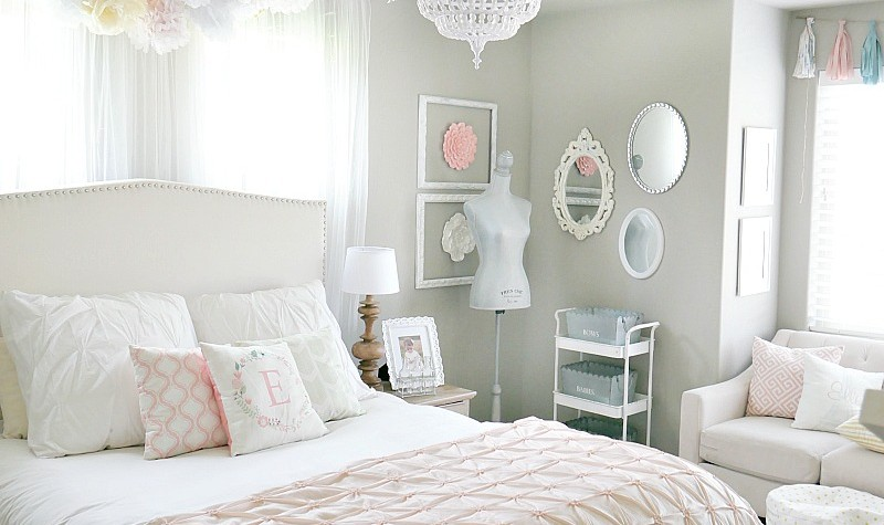 Whimsical-Little-girlss-room-full-of-soft-pink-and-white