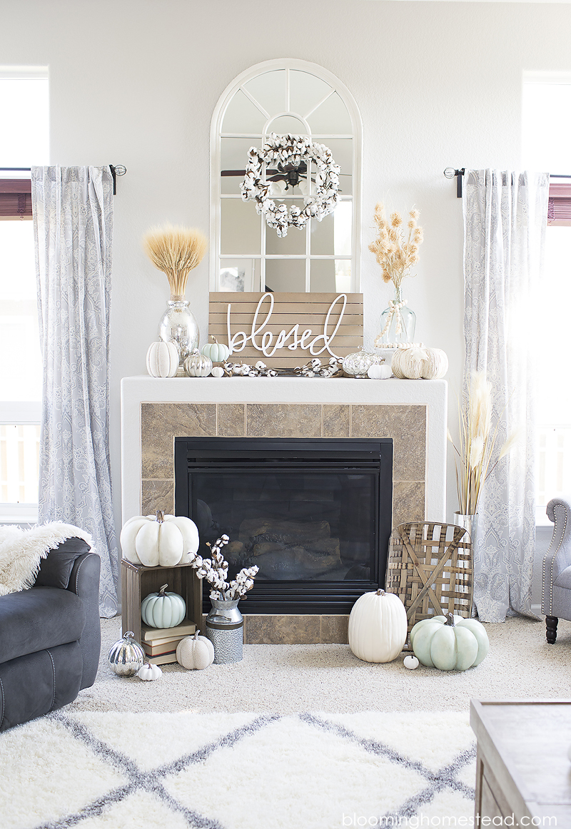 Beautiful Neutral Fall Mantle