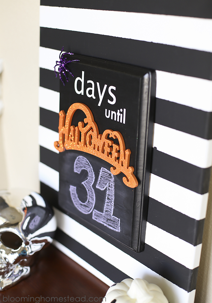Halloween-Countdown-by-Blooming-Homestead-Fun and Simple Halloween Ideas
