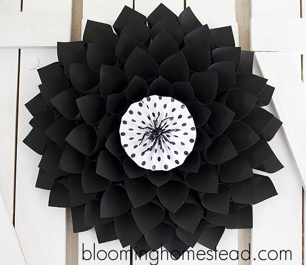 Halloween Wreath-Fun and Simple Halloween Ideas